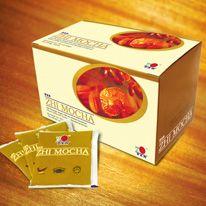 Zhi Mocha:  DXN Zhi Mocha è un tipo del caffè Linghzi preparato per quegli appassionati del caffè a cui piace anche il cioccolato.Zhi Mocha ricco di aromi è preparato da chicchi di caffè selezionati, è la miscela di caffè solubile in polvere, estratto di ganoderma e polvere di cacao.  http://italia.dxneurope.eu/products