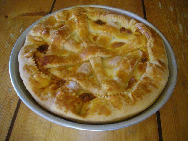 In questo post tre buonissime ricette per realizzare tre veloci versioni di pizza rustica, con ingredienti diversi e dal gusto deciso.