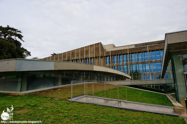Nantes - Faculté de Droit et des Sciences Politiques  Architectes: Louis…