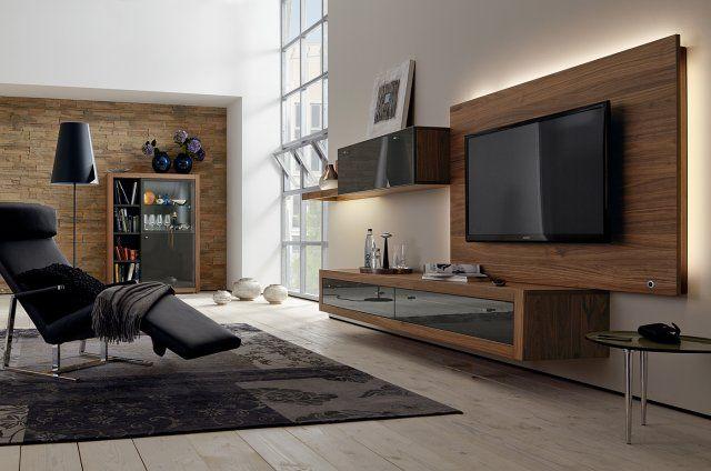 TV sur panneau pour faire partie du meuble tv