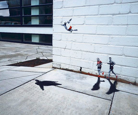 Miniature joggers painted along a wall in London by Pablo Delgado: Street Artists, East London, London Street, Little People, Street Art Utopia, Delgado Streetart, Pablodelgado, Pablo Delgado, Delgado Small