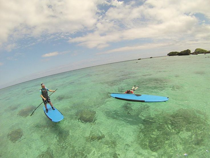 梅雨は 沖縄は梅雨に入ってるみたいなのですが 今日はとても良い天気です 波は残念ながらなかったですが SUP最高 マスクをつければとても綺麗な海の中がみれます リピーターさんがきてくれましたー どうもありがとうございます #okinawa #sup #okinawasup #okinawabeach #beautiful #seanasurf #sea #sunny #sky #沖縄SUP #沖縄の海 #シーナサーフ #恩納村 #シュノーケル