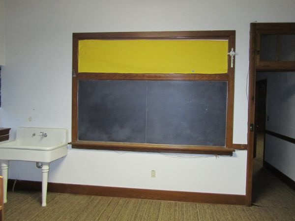 School House Auction: Chalkboards, And Maps, And Desks; Oh My!