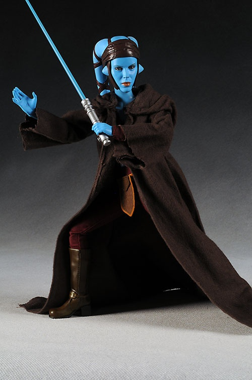 SDCC Exclusive Star Wars Aayla Secura action figure - Another Pop Culture Collectible Review by Michael Crawford, Captain Toy