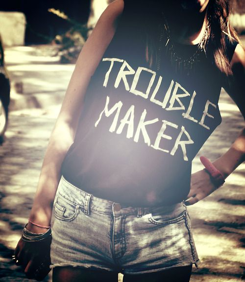 Logo/slogan t-shirts are always a winner - Find some cool #festivals to wear this #outfit too here: http://festkt.co/qrU8SL