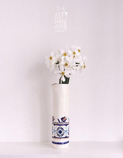 porcelain vase #1, hand-built, underglaze stains - Ø7,5cm - NOT AVAILABLE
