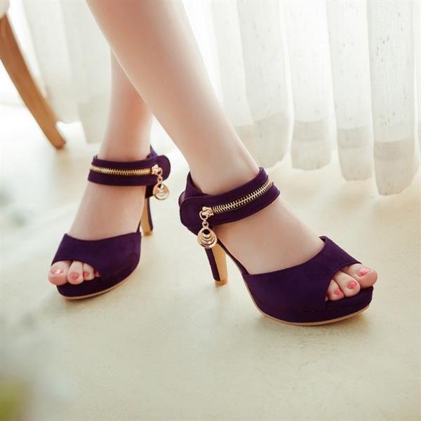 Недорогие босоножки туфли на высоком каблуке