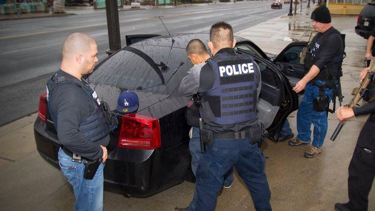 Razzien in sechs Bundesstaaten: US-Beamte nehmen illegale Einwanderer fest