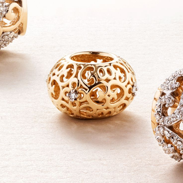 New season #emmaandroe #autumn #jewelry #stackrings #charms #gold #diamonds