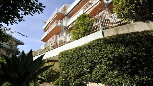 #rivierahomeholidays - #sanremo, Apartment on the second floor, comprises an entrance hall, lounge, kitchen, two bedrooms, two bathrooms and a large terrace on the south-facing living room, beautiful sea view and large outdoor room.  It's totally renovated, there is the availability of numerous Parking. (Prepared for heating system). Check it out! €390,000
