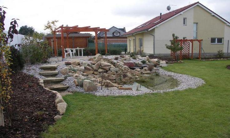 Úprava terénu a kámen v zahradě