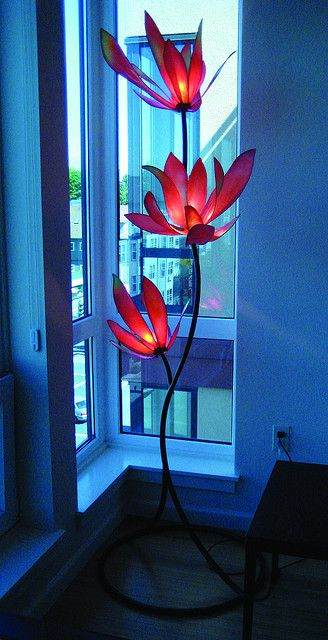 red flowers condo by www.hiihlights.com