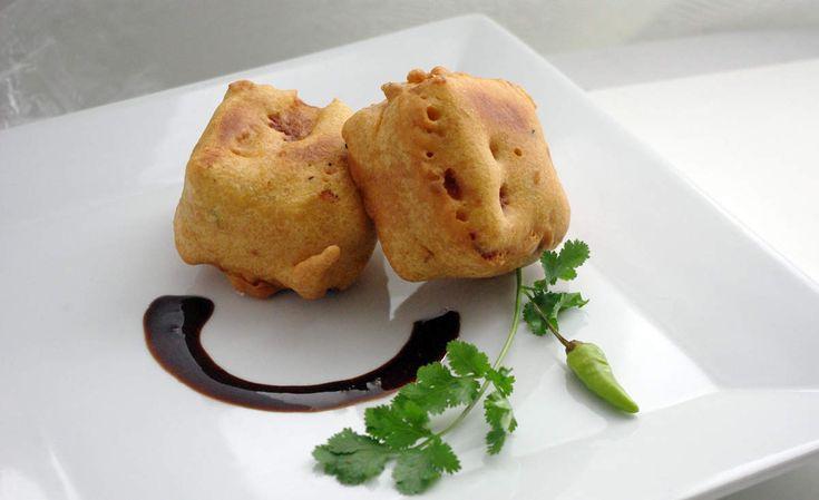 Recette indienne Bread pakoras en vidéo Bonjour et bienvenue dans mon blog cuisine , aujourd'hui nous allons préparer des Bread pakoras . Ce sont des pakoras indiens à base de pain. Pour faire cette recette indienne, il faut : Pour la farce : 150g de...