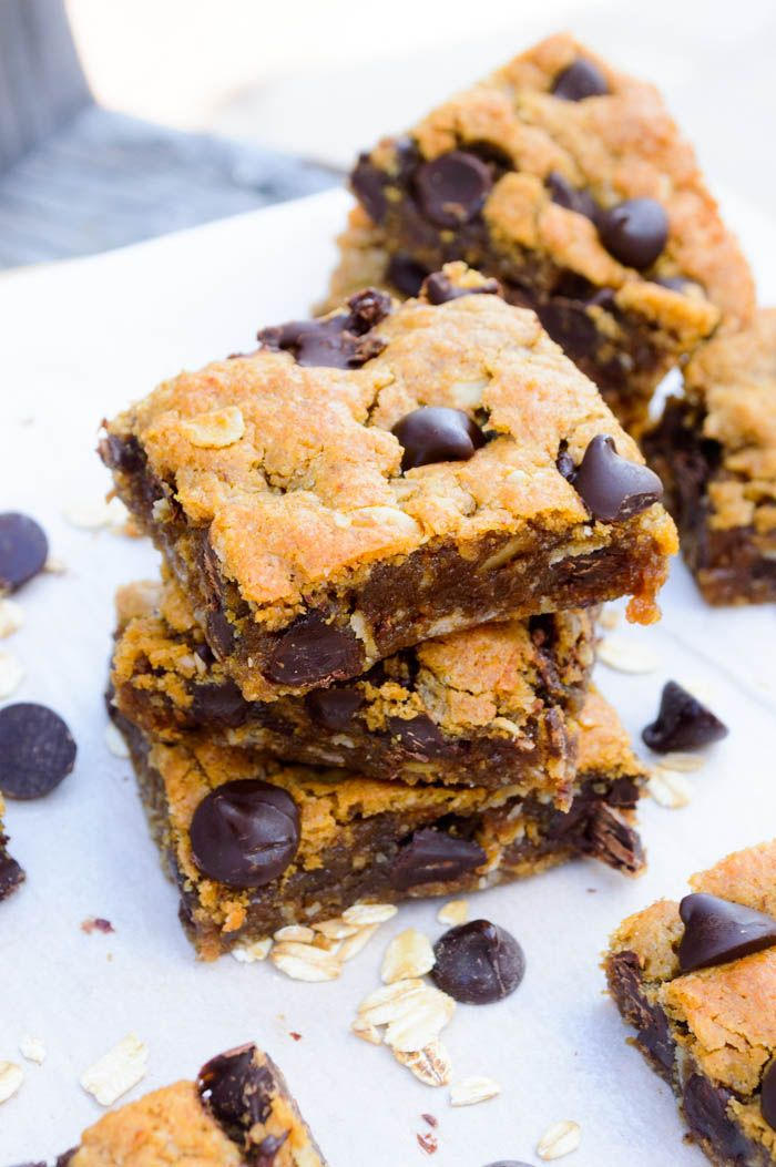 Flourless Chocolate Chip Oatmeal Cookie Bars Recipe