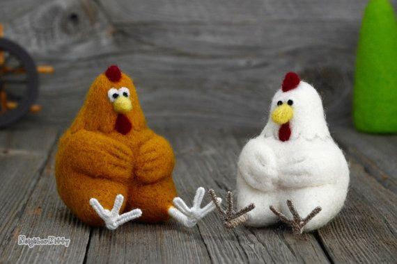 Aguja fieltro pollos conjunto de 2 - animales de fieltro aguja hechos a pedido - gallina - arte - escultura blanda - fibra - decoración del hogar - regalos