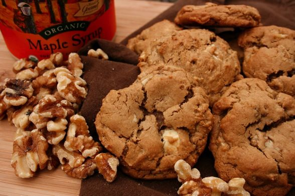 Chewy Maple Walnut Cookie. Great Cookie Recipe! @ laurassweetspot.com