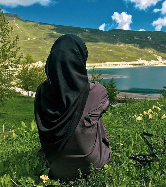 Мусульманские картинки девушек в хиджабе со спины