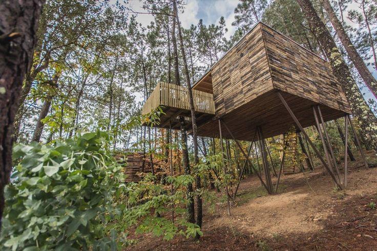 ¿Cuantos hemos soñado con una casita en el árbol? En Cabañas do Barranco viviréis una experiencia totalmente diferente en un precioso entorno natural. Al igual que las Cabañas de Broña,las Cabañas do Barranco están ubicadas [...]