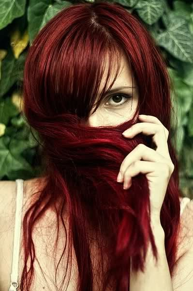 <3 red hair..but it looks awful on me..tried it once..lol.: