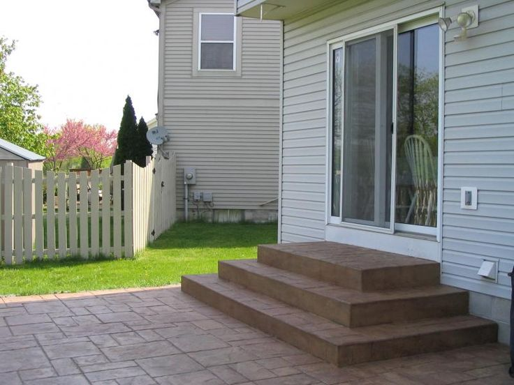 stamped concrete patio steps - steps from patio to garden could go out with each step getting bigger as it steps down