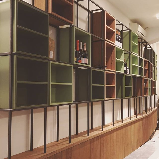 All done! 💪 One of the coolest projects I did, for one of the sweetest clients ever. Thnx to everyone who supported me! Store opened today. More pics coming your way... Go there and enjoy their great food n vibes! #bigoli #custom #woodwork #teak #steel #green #rubiomonocoat #wedidit