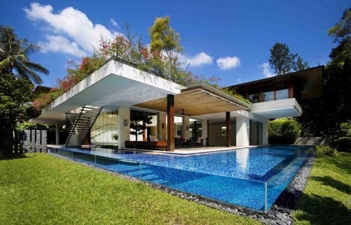 Walls of glass swimming pool