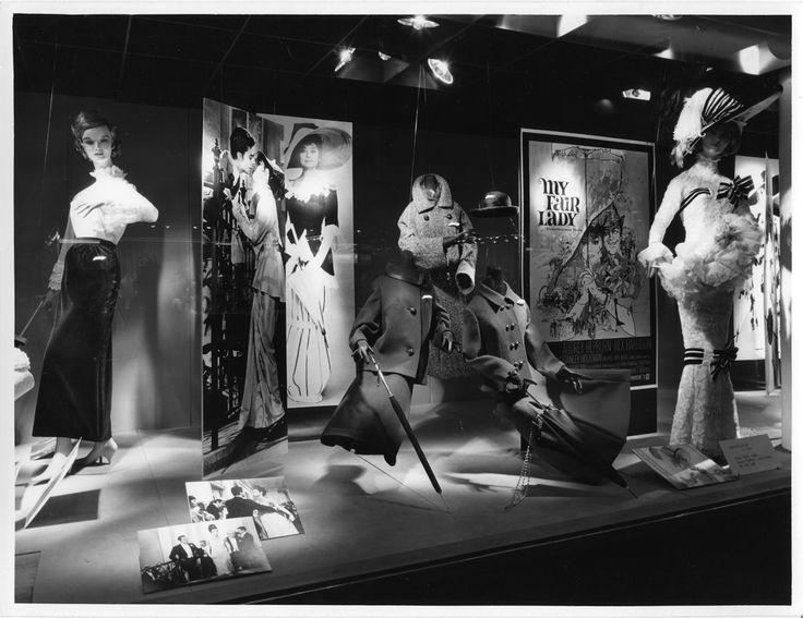"""Flere filmer ble benyttet som inspirasjon til utstillingsvinduet. I denne sammenheng Audrey Hepburn sin legendariske film """"My Fair Lady"""""""