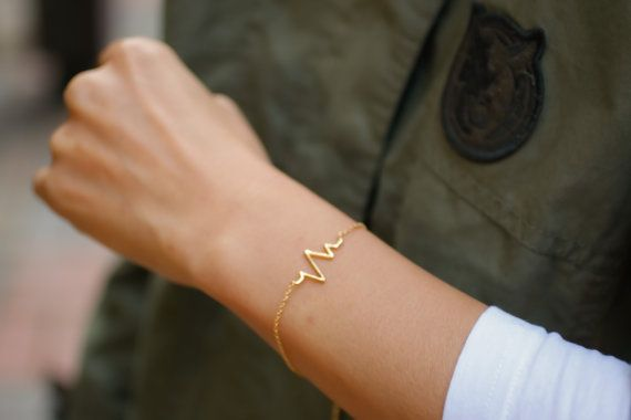 heart rate bracelet. choose your color, gold and silver.heartbeat chain Bracelet, Cardiac Monitor, Nurse Jewelry. no28