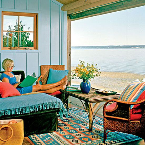 Colorful Cottage Rooms: Bright Colors In The Sitting Room. Beach Cottage Style