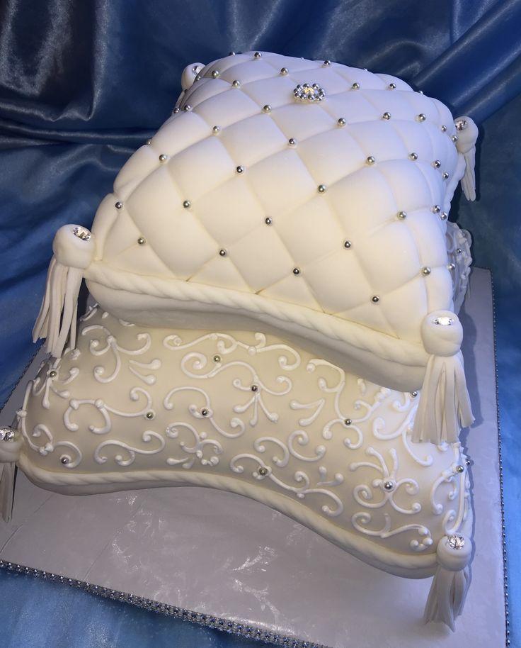maui wedding cakes finally got to tackle a pillow cake so pretty
