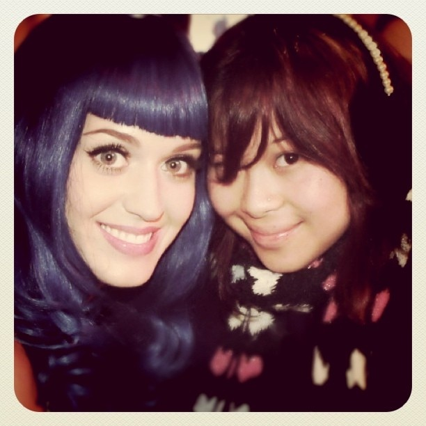 I love Katy Perry. I am a big fan and was one of Katy's first fans back when she didn't even have an album yet. I've been to every show of hers in Melbourne and adore her. I hope one day I get to meet her again. She is amazing. That is all.  #KatyPerry #KatyCat #KatyCats #bluewig #ToFindALoveThatsTrueYouMustWearAWigThatsBLUE #Firework