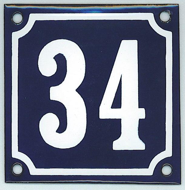 huisnummers 1 t/m 100kleur: kobalt blauw - met witte cijfers/helder groen - met creme cijfers/zwart - met witte cijfers/wit - met zwarte cijfersformaat: 10x10 cm -