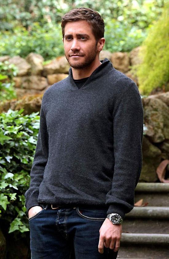 Jake Gyllenhaal wears a Rolex Submariner watch