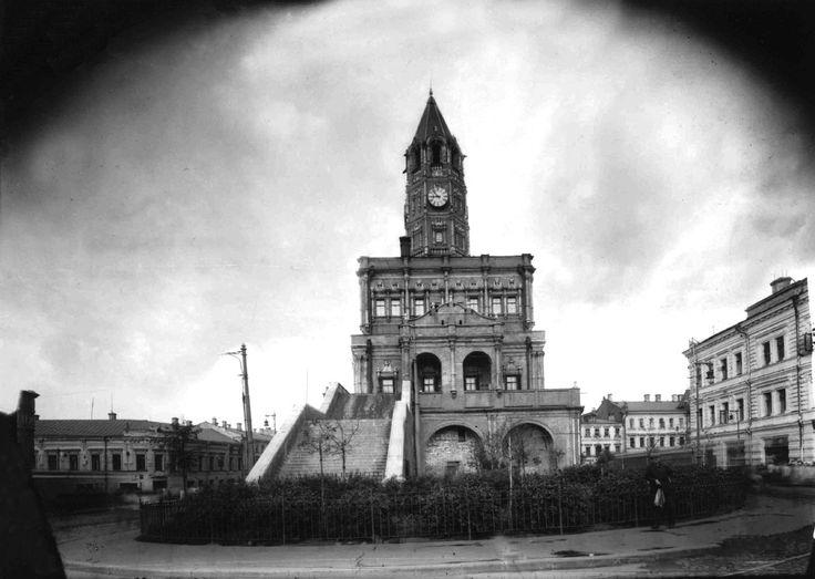 20-е - начало 30-х годов. Сухаревская башня