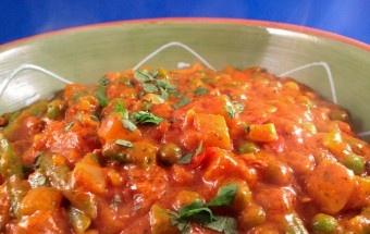 85% vegetarische recepten (gebruik eggreplacer of the vegg www.thevegg.com i.p.v. ei, vegan kaas i.p.v. kaas, plantaardige (bijv. sojamelk) melk i.p.v. melk, agar agar i.p.v. gelatine, yoghurt van soja i.p.v. yoghurt/kwark, vlees/visvervangers i.p.v. vlees/vis)