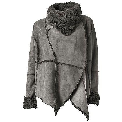Trendstarke #Jacke von #LINEA #TESINI. Die Jacke ist aus täuschend echtem #Lammfell #Imitat, höchst raffiniert und ganz neu im #Styling! ♥ ab 99,90 €