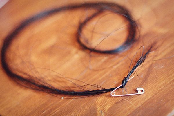horsehair bracelet: tutorial | little home by hand on WordPress.com
