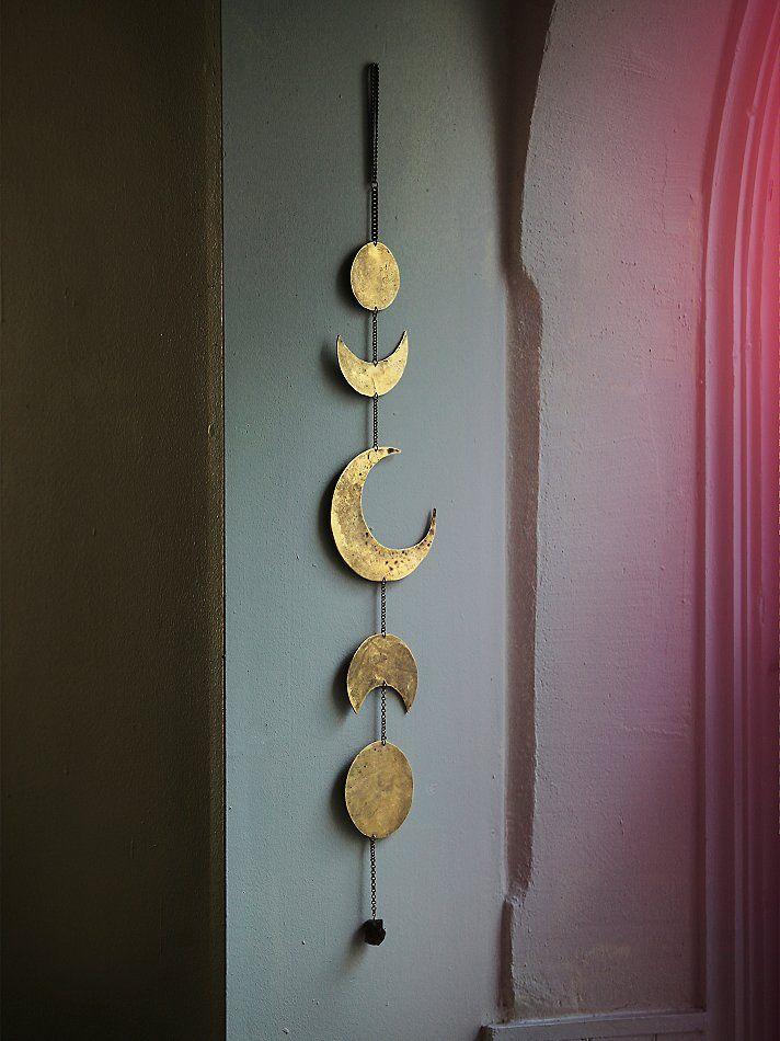 Free People Free People Gold Moon Chime, $178.00 Crecimiento de la luna para colgar, pero bien hecho.