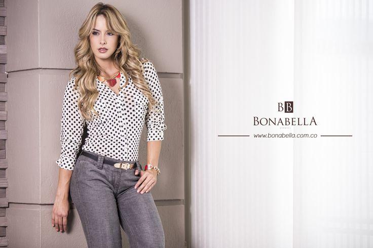 La mujer Bonabella es elegante y sofisticada.