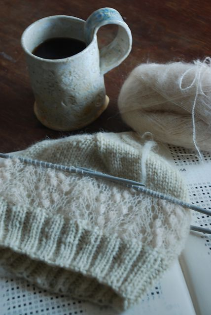 capucino's Knitted hat with lace. I adore the double thickness concept. Imagine how it'd look in contrasting colors?
