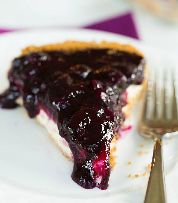Blueberry Cheesecake Pie by @Michelle (Brown Eyed Baker) :: www.browneyedbaker.com