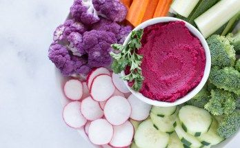 Seriously Simple Beet Hummus | www.honestlynourished.com