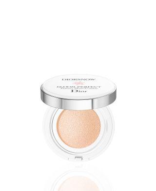 Alles over de Christian Dior Parfums-producten die u in onze onlineboetiek kunt kopen: parfums, make-up, gelaats- en lichaamsverzorging voor hem en voor haar. Deskundig en gepersonaliseerd schoonheidsadvies
