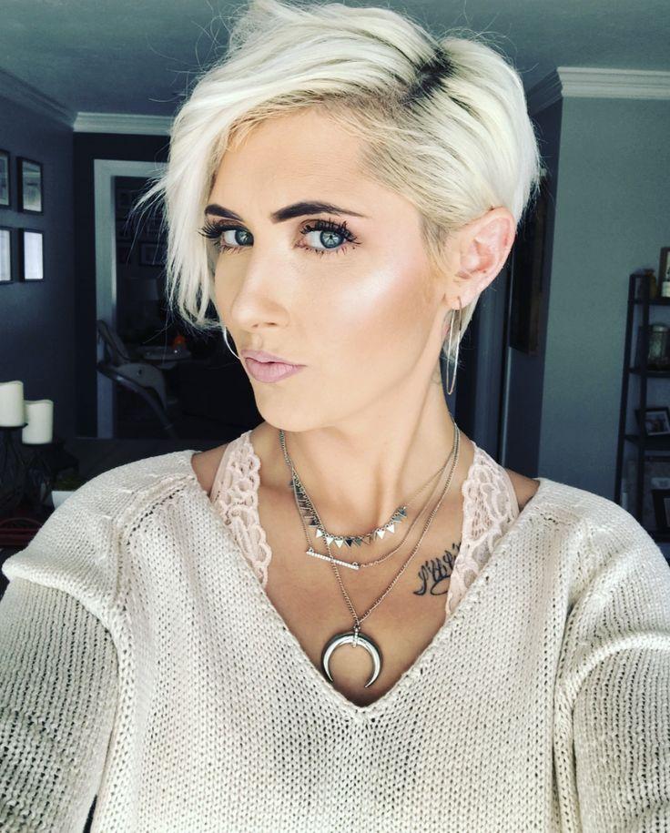 Best 25 Platinum blonde pixie ideas on Pinterest  Blonde
