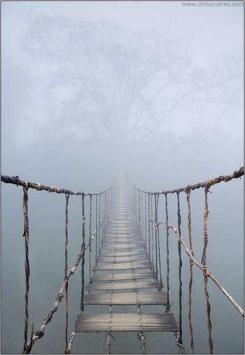 Bridge in mist Pont de Sapa, Vietnam