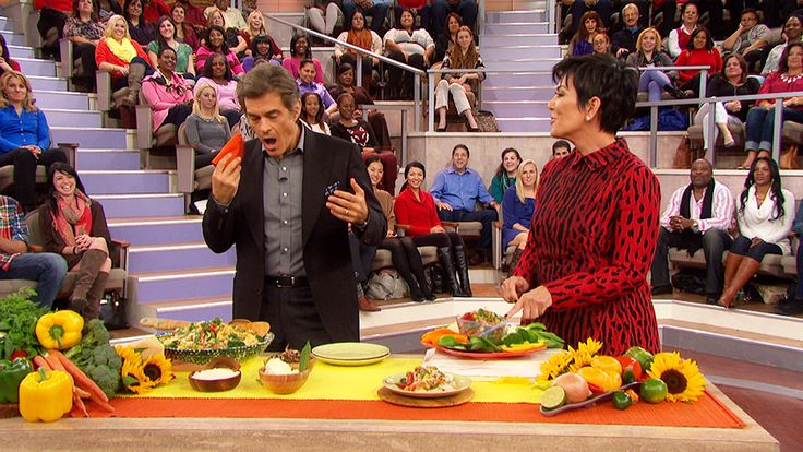 "Kris Jenner Shares Her Hearty Chicken Soup Recipe: Dr. Oz and Kris Jenner cook some of the Kardashian family's favorite recipes from her new cookbook, ""In the Kitchen With Kris."""