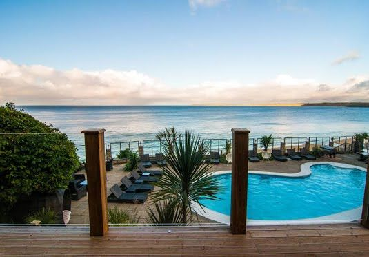 Capris hotel St Ives hotel with acclaimed food and a Blue Flag beach - our offers include breakfast, a five-course dinner and an afternoon tea with bubbles
