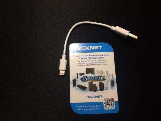 Il cavetto lightning tecknet viene venduto su amazon a meno di 6 euro ed è ideale per chi odia i cavi lunghi ma anche per chi ricarica lo smartphone...