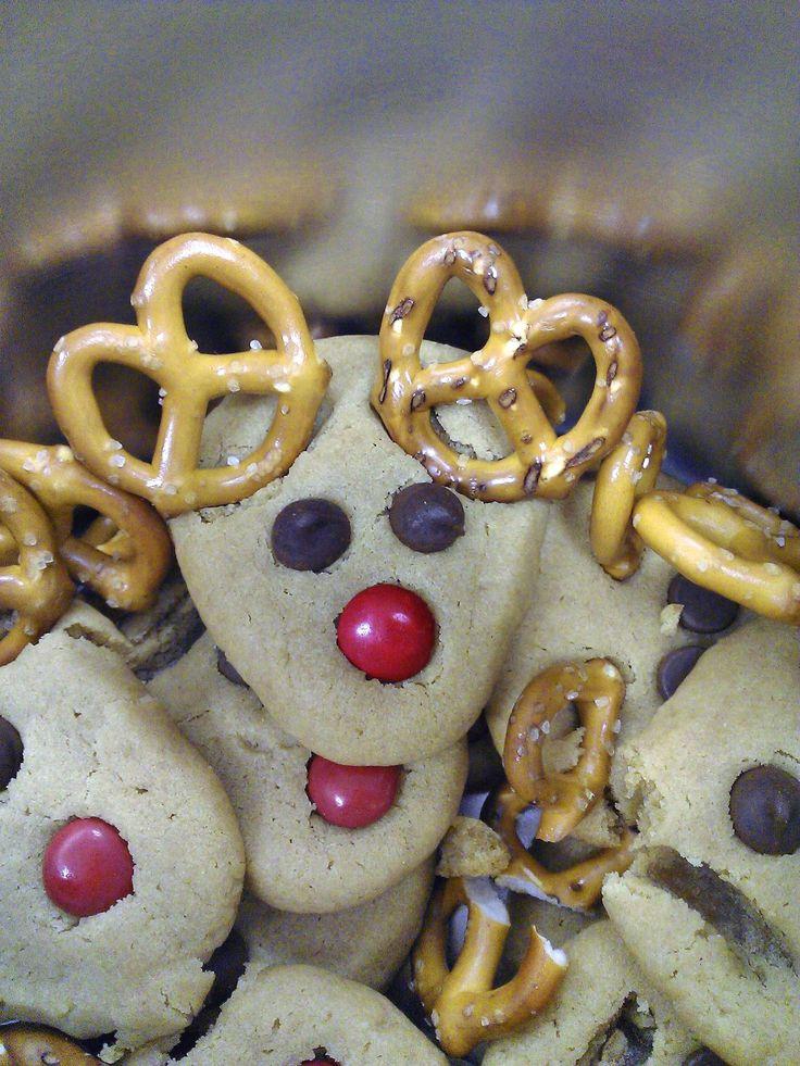 Christmas reindeer cookies, Easy christmas cookies and Reindeer ...