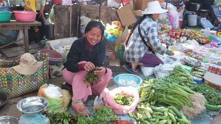 https://flic.kr/p/dEfpah | #CAMBOYA sonrisas en el mercado de Stung Treng | #Cambodia : smiles in Stung Treng market °° #カンボジア 売り手の笑顔 ストゥントレン市場。